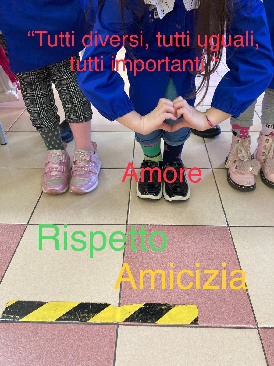 La giornata dei calzini spaiati - 5 Febbraio 2021 - Classi Seconde San Lazzaro